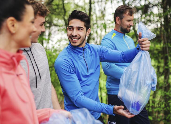 plogging -atividade fitness que ajuda o meio ambiente