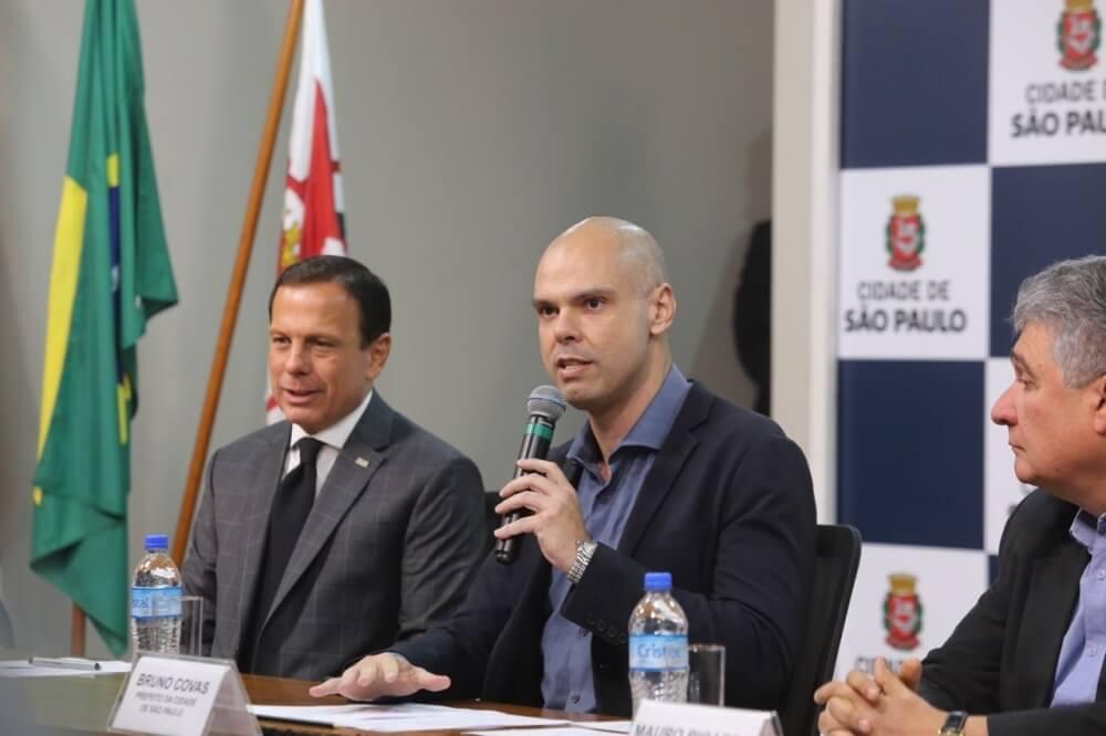 prefeitura de SP dará R$ 215 para famílias comprarem uniforme