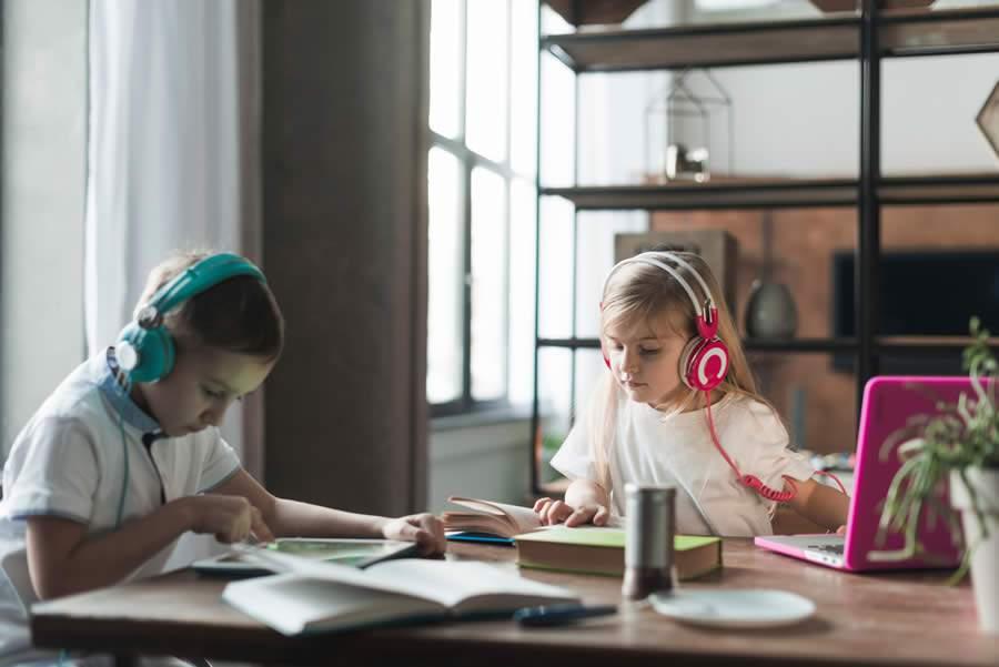 startup brasileira promove ensino à distância na pandemia